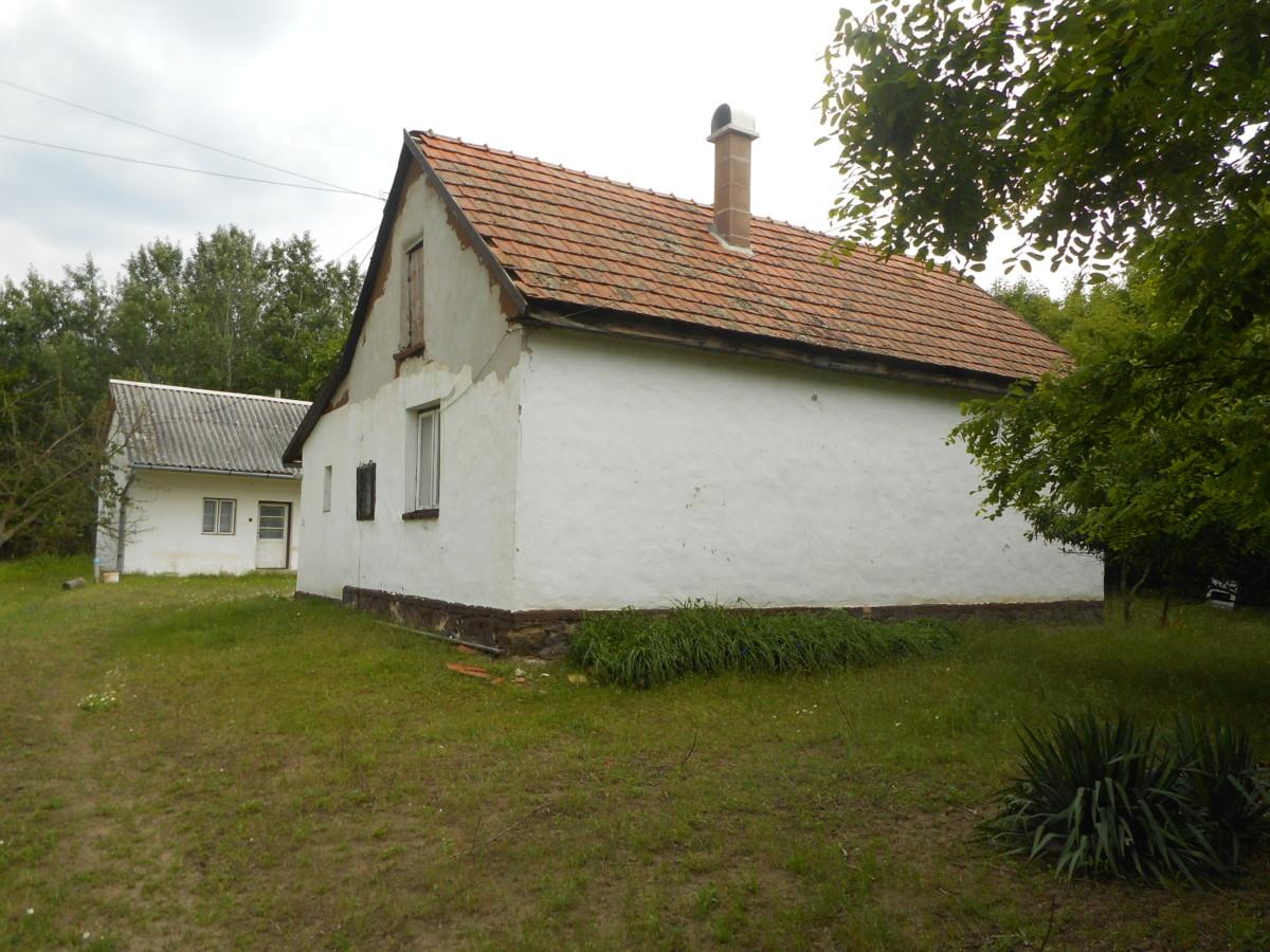 Pálmonostorán 2,5 szobás tanya olcsón eladó!